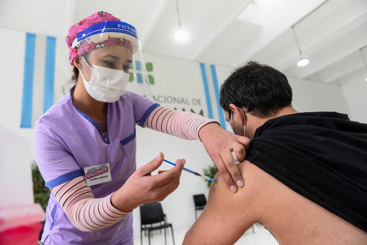 Será requisito vacunarse para volver a la presencialidad en la UNLP