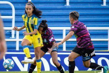 Rosario Central goleó al fútbol femenino de Villa San Carlos.