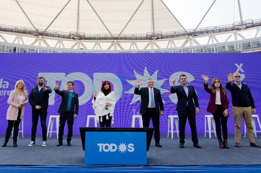 La cúpula del Frente de Todos en el último acto en La Plata
