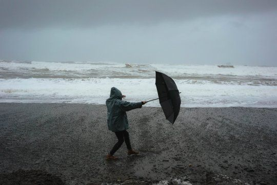 Alerta por fuertes vientos en la zona de Mar del Plata.