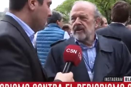 ?le voy a dar una pina?: la agresion del diputado amadeo a un periodista de c5n que genero repudio en las redes