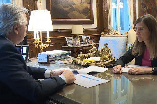 Alberto Fernández y la titular de la ANSES, Fernanda Raverta, se reunieron para definir esta nueva política.