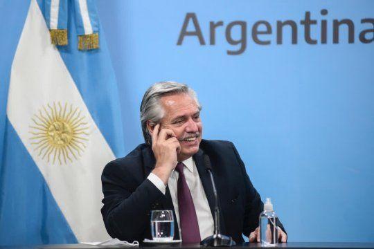 Alberto Fernández anunció la compra de 10 millones de dosis de la vacuna rusa contra el coronavirus.