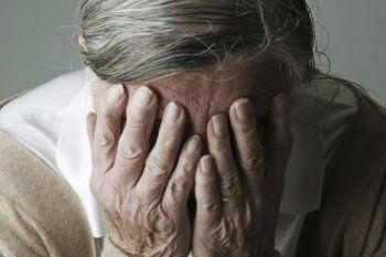 Una anciana de 83 años perdió sus ahorros en dólares en Bolívar