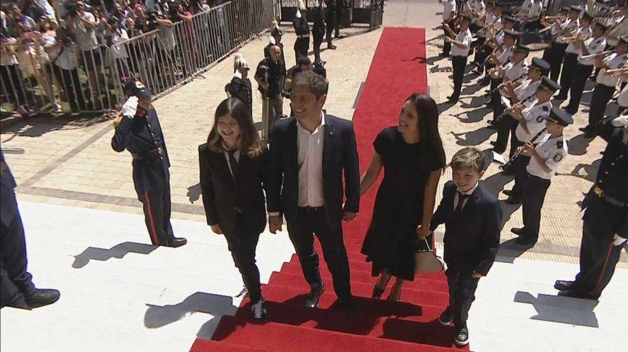 León Kicillof, Axel Kicillof, Soledad Quereilhac y Andrés Kicillof durante la asunción como Gobernador en diciembre de 2019.