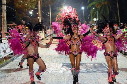 El carnaval de 25 de Mayo