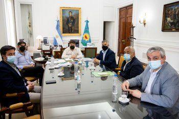 Los intendentes vecinalistas se reunieron en la Casa de Gobierno con el gobernador Kicillof.