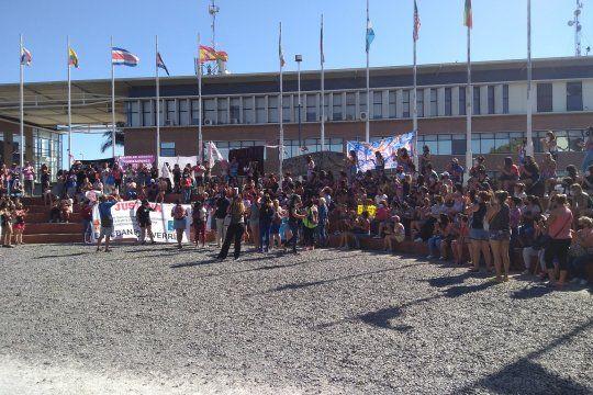 Cientas de personas marcharon hasta la Fiscalía (Foto: Facebook Ezeiza dice basta de impunidad)