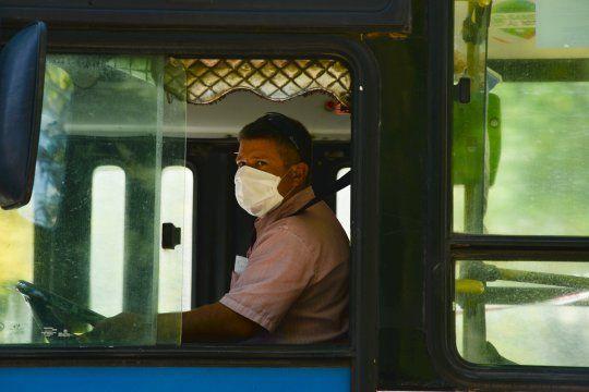 Los pasajeros que utilicen el servicio deberán portar el correspondiente permiso de circulación