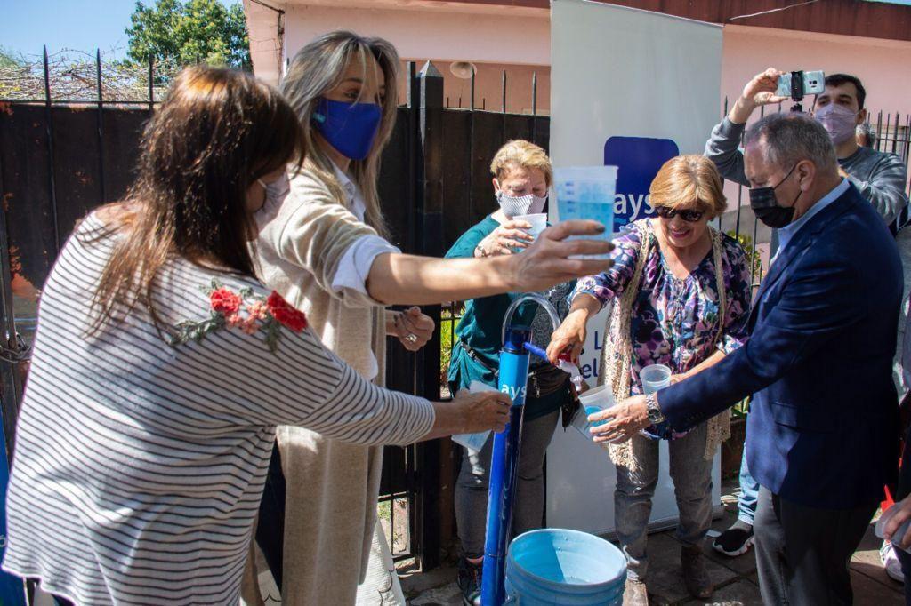 Ituzaingó: Malena Galmarini inauguró una red de agua potable