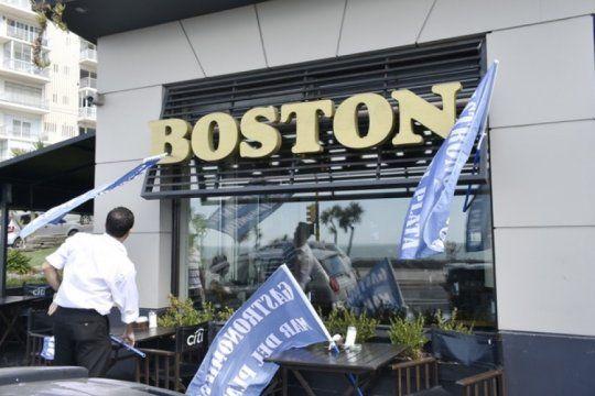 nueva etapa: despues de mas de un ano de conflicto, reabre la tradicional confiteria boston