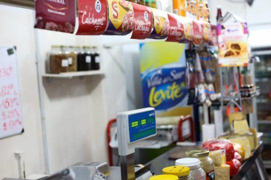 las ventas en grandes centros de compras se desplomaron 95,6% interanual