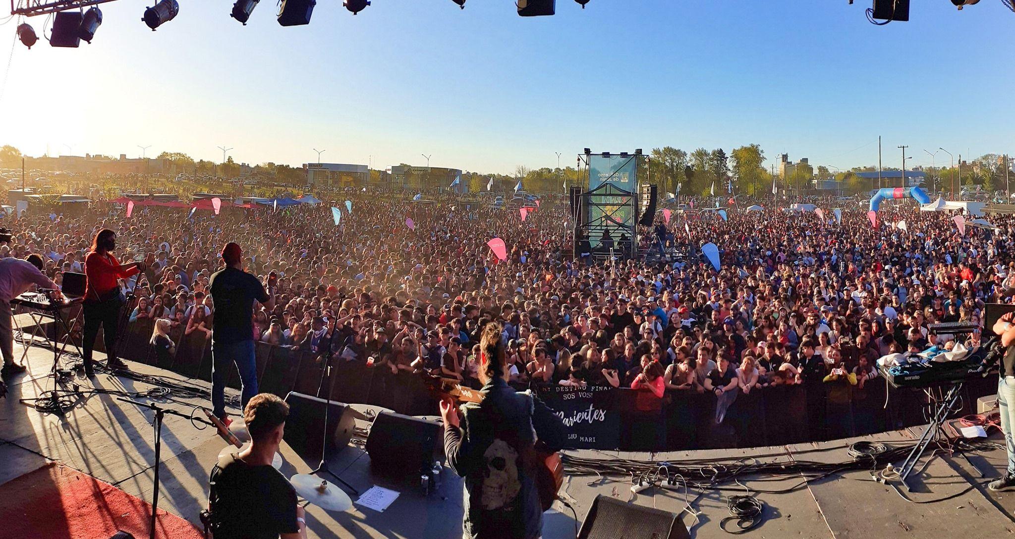 Más de 30 mil personas asistieron a la fiesta de la Primavera en Junín ( Foto Facebook Gobierno de Junín)