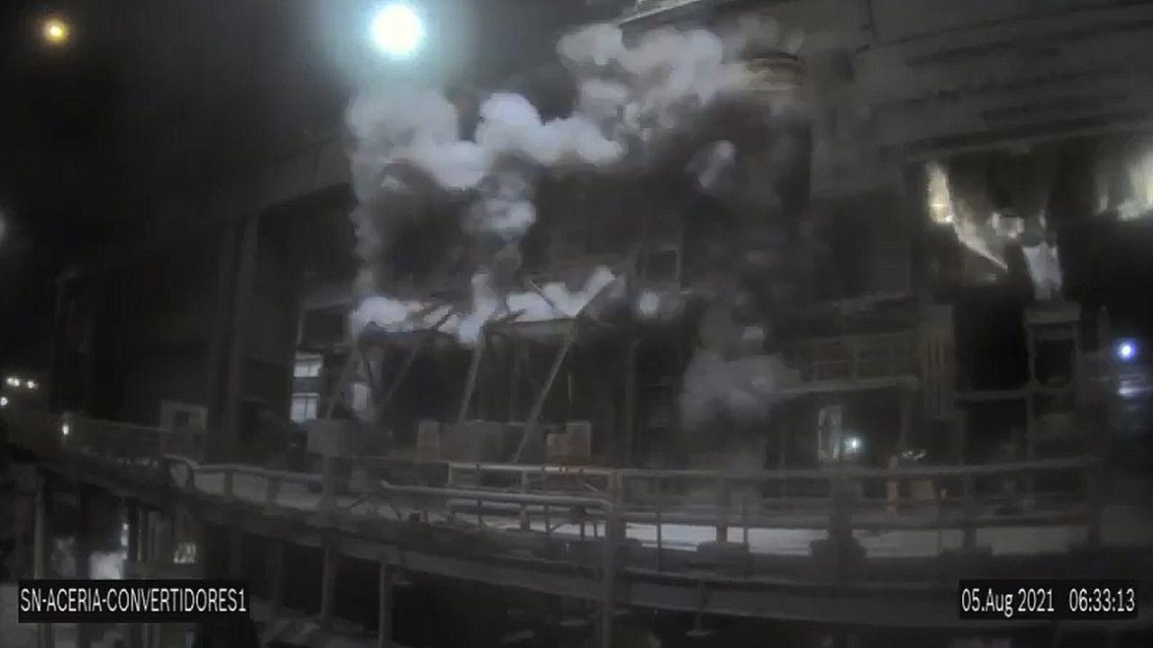 san nicolas: tremenda explosion en una planta de siderar