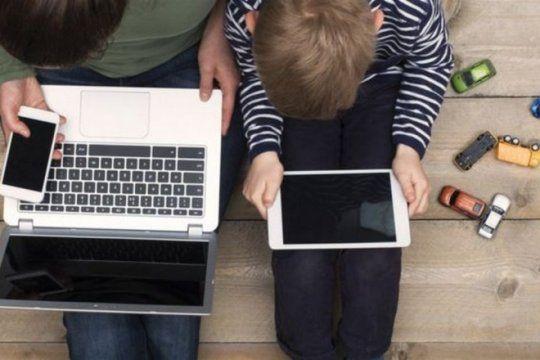 miopia en chicos y adolescentes: recomiendan mas ?vida al aire libre? y menos tiempo frente a las pantallas