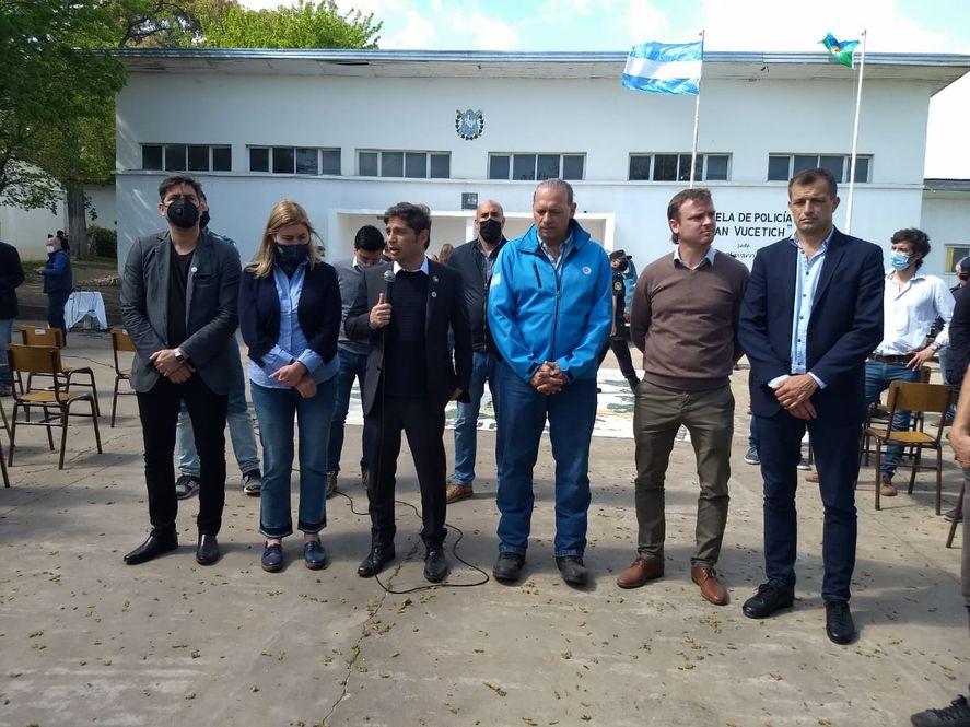 Axel Kicillof anunció un aumento salarial para la policía bonaerense
