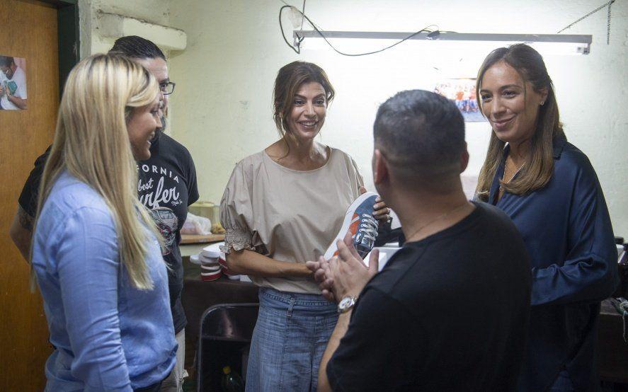 Vidal y Juliana Awada visitaron a trabajadores en un barrio del disitrito peronista de La Matanza