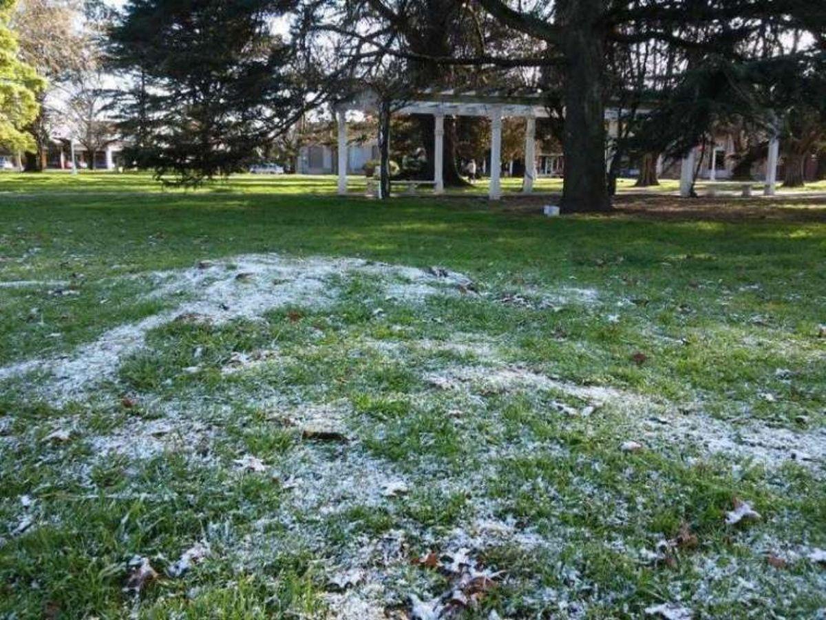 Diversas localidades de Balcarce reportaron nieve esta mañana (Foto: Minuto Balcarce)