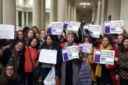 despidos en la linea 144: convocan a una nueva protesta para exigir la reincorporacion de trabajadoras
