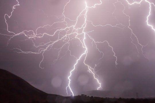 alerta meteorologico: vientos intensos en el sur y tormentas fuertes con granizo en el norte de la provincia