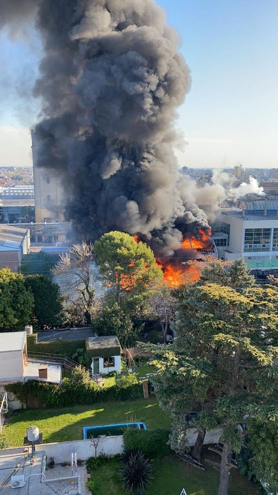 Sorprendente incendio en la Cervecería Quilmes