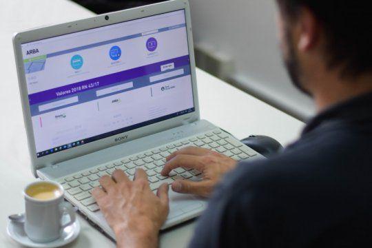 aumento 40% el pago de impuestos con tarjetas de creditos por internet en la provincia