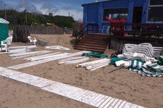 impactante video: el temporal provoco destrozos en un balneario de ostende