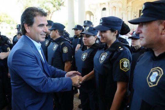 pasan a retiro a 116 policias de la bonaerense y los intiman a presentar sus declaraciones juradas patrimoniales