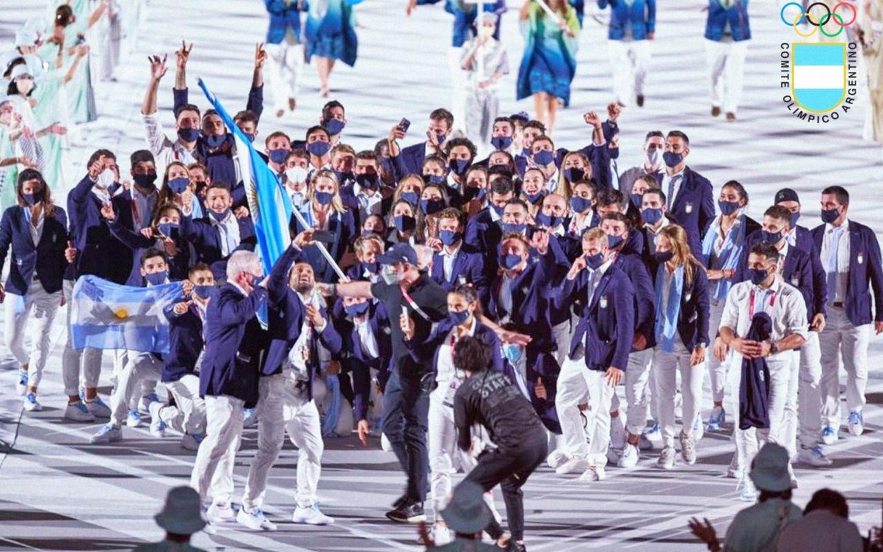 La delegación argentina, desató una fiesta en el desfile inaugural.