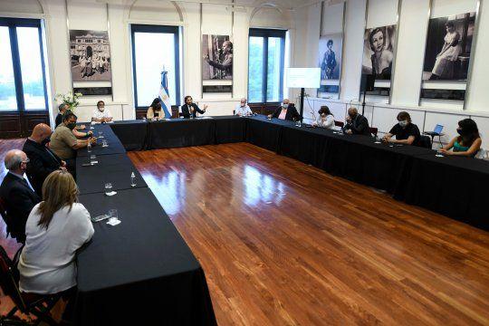 Cafiero encabezó una reunión junto a UPCN y ATE