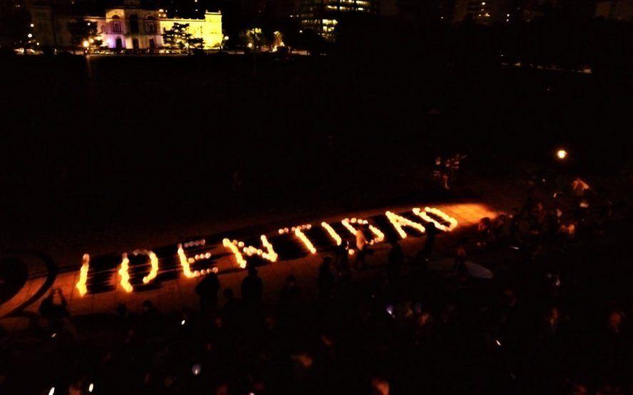 Imágenes impactantes desde el aire: a 37 años de Malvinas, un homenaje a los caídos en la guerra