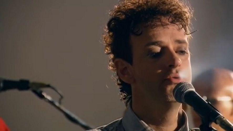 """Gustavo Cerati cumpliría 62 años. Para recordarlo, se estrenó un videoclip inédito del tema """"No te creo""""."""
