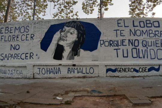 a 26 meses de su desaparicion, gimnasia recuerda a johana ramallo con un mural en el bosque