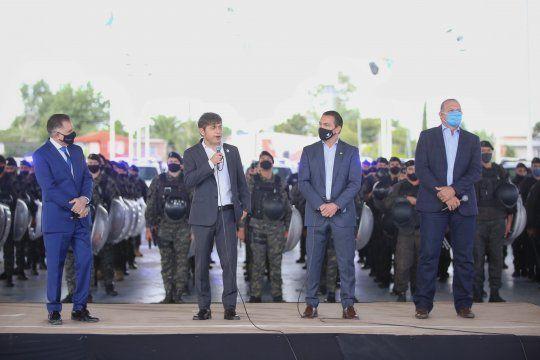 Kicillof entregó patrulleros en Florencio Varela junto al Ministro de Seguridad, Sergio Berni.