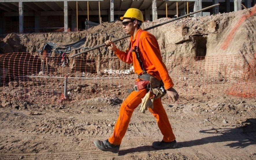 """Reforma laboral """"recortada"""": Advierten que el proyecto que impulsa el Gobierno sólo beneficia a empleadores"""