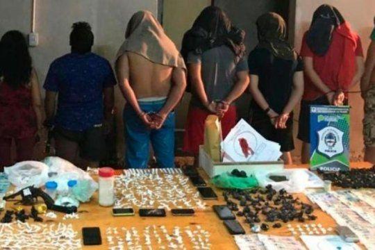 en un barrio de la plata los vecinos advierten que los operativos anti drogas ?no sirven para nada, los narcos van a volver?