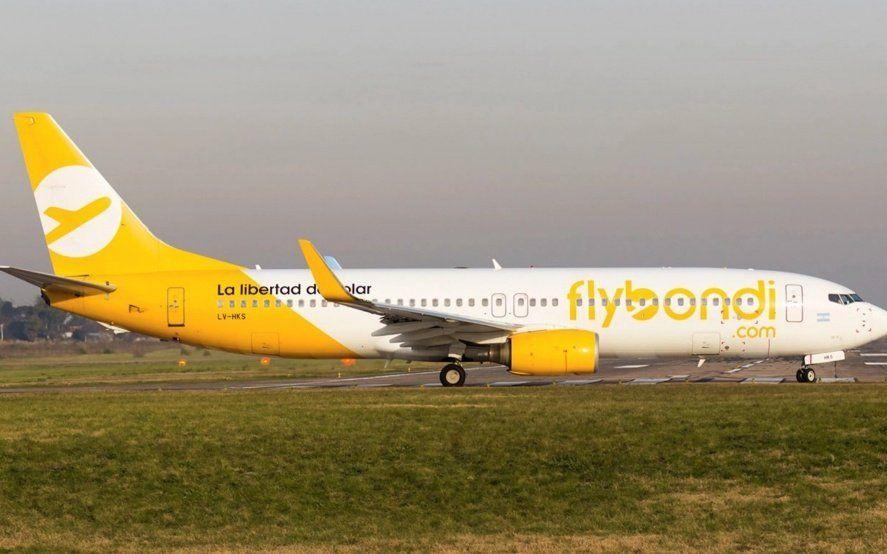 Un avión de Flybondi con fallas generó la cancelación de ocho vuelos y malestar en sus pasajeros