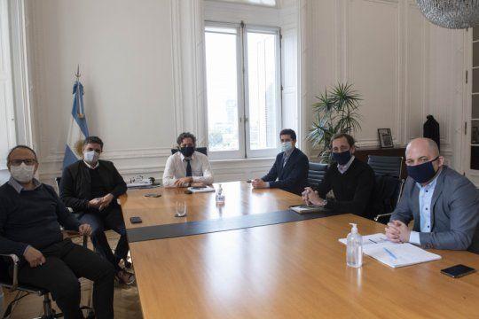 dialogo politico entre cafiero y de pedro con intendentes del pro