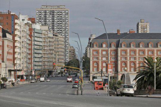 mar del plata: la ciudad retrocede luego de cinco casos de covid en un dia