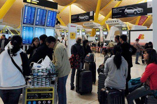 los argentinos deberan pagar un permiso para viajar a europa: como sera la inscripcion y cuanto costara