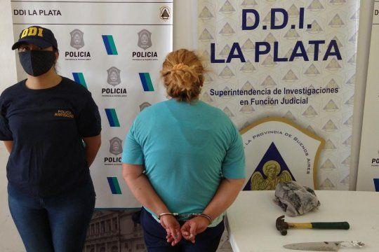 La mujer de 40 años fue detenida por tentativa de robo calificado y lesiones