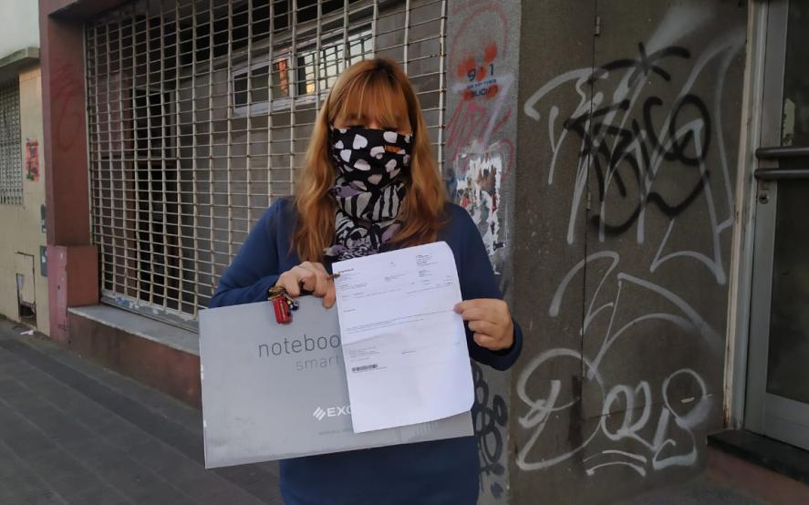 Analía se atrincheró en Frávega en busca de una solución