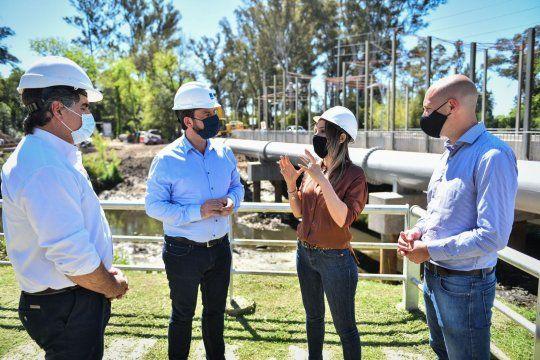 Malena Galmarini y Ariel Sujarchuk recorrieron las obras que se están realizando en Escobar para que más vecinos accedan al agua potable