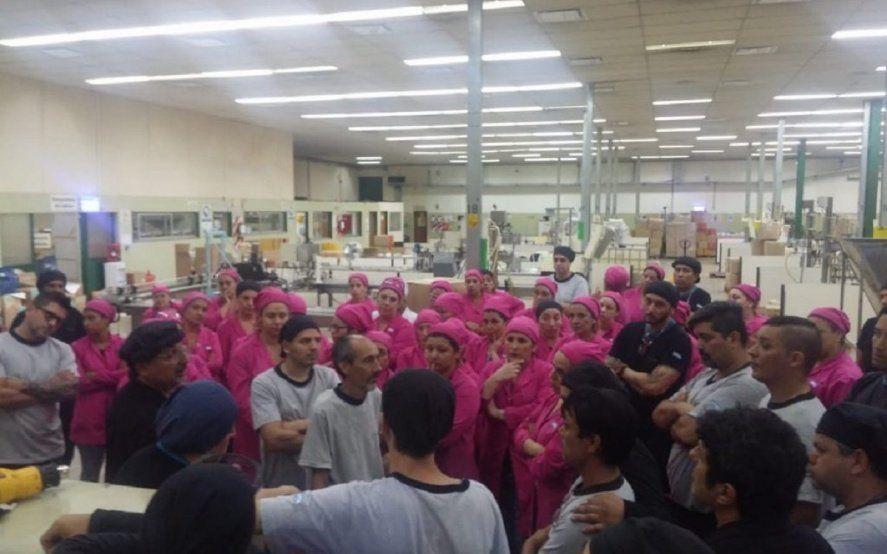 Una histórica empresa de cosméticos cerró su planta y despiden a 150 trabajadores
