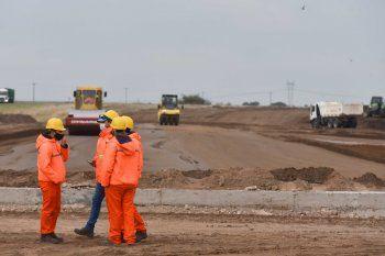 Las obras de pavimentación son una de las que anunciará el presidente