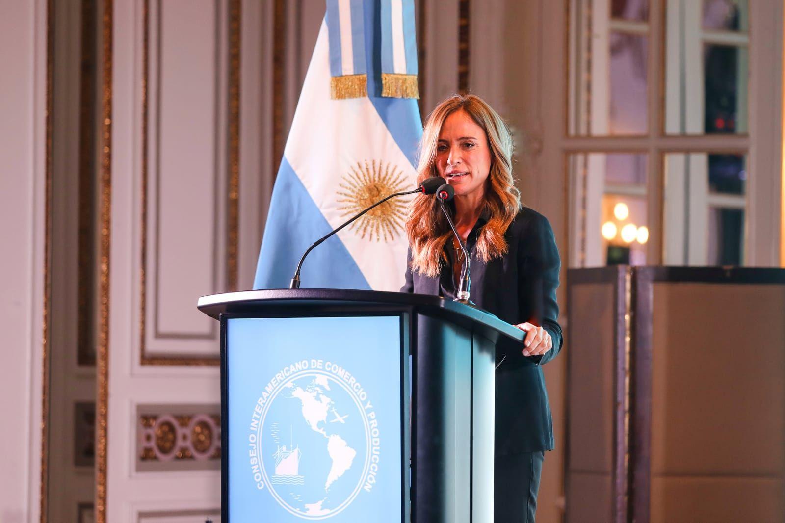 Victoria Tolosa Paz cuestionó a la oposición y afirmó que están pensando en debilitar y hacer un golpe blando.