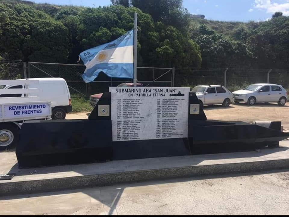 Mar del Plata: memorial en homenaje a las 44 víctimas del ARA San Juan ( Facebook Marcela Fernández)