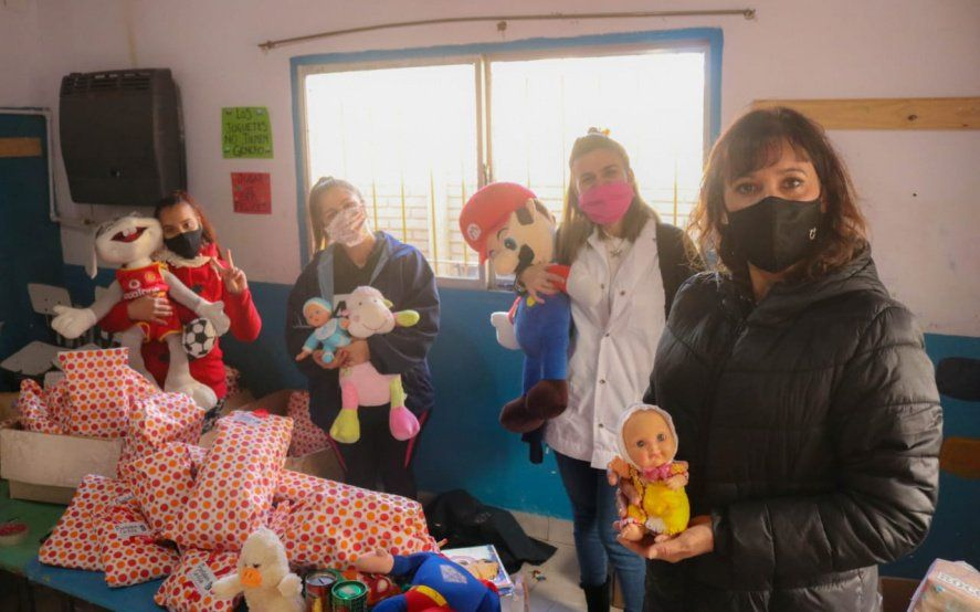 """La solidaridad de presas benefició a 300 chicos de la ONG platense """"Pantalón Cortito"""""""