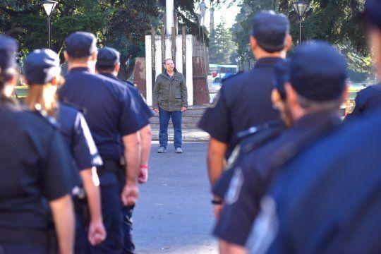Berni retira del servicio a 400 policías y se anuncian desafectaciones