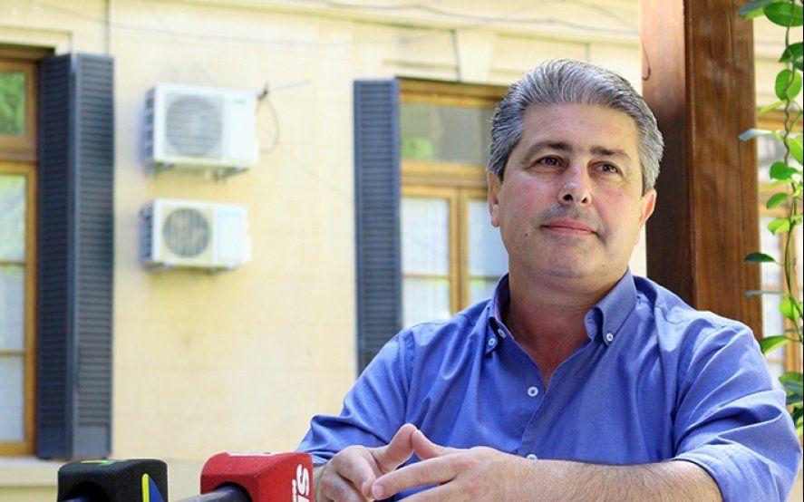 """Javier Martínez: """"El agua está entre los parámetros de salubridad y no daña a la población"""""""